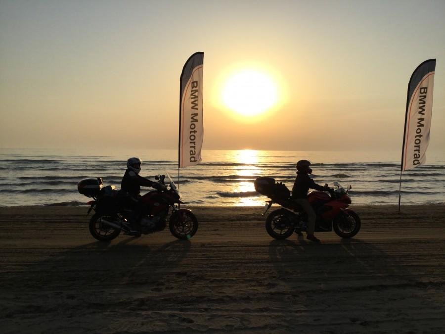 No.128  静岡県 Terryさん「夕日とバイク」