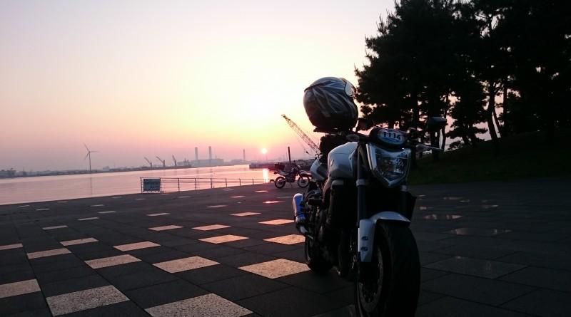 No.135  神奈川県 熊捕勇人さん「朝焼けの横浜港」