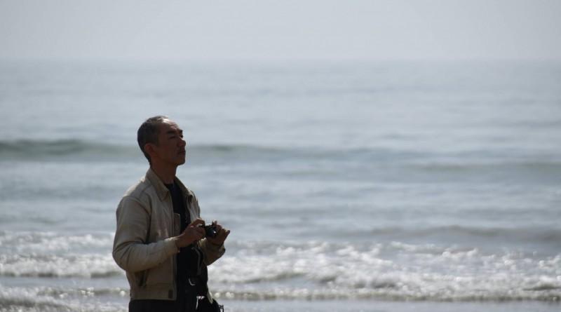 No.263  愛知県 パンチロボさん「海と初老の男」